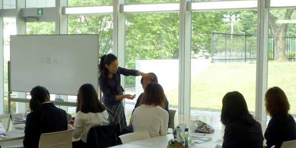 メイクマナー講座にて講師をつとめました