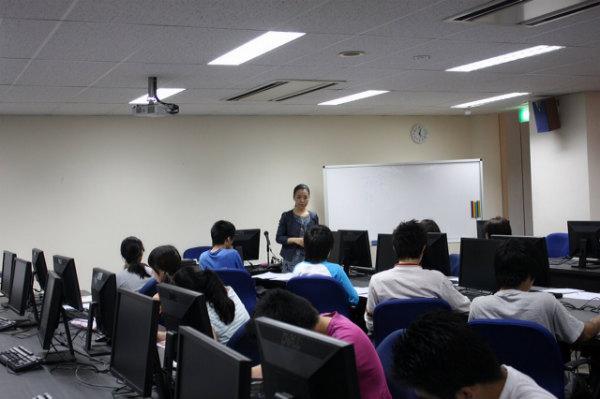 早稲田渋谷校シンガポール校様にて講演をさせていただきました<span class=