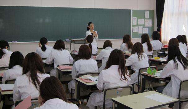 青森歯科衛生士専門学校様にて非常勤講師をしています
