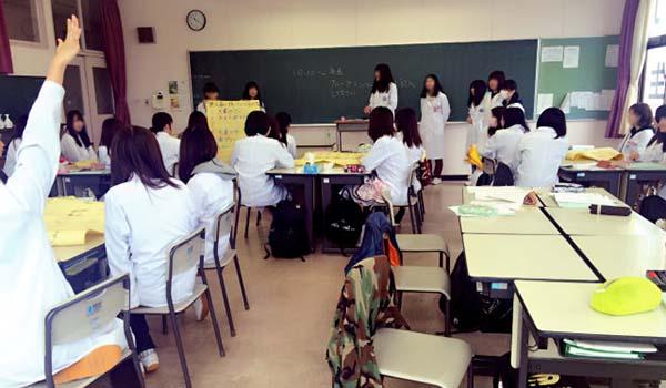2015年12月4日青森歯科医療専門学校様にて「接遇」の授業を担当しました